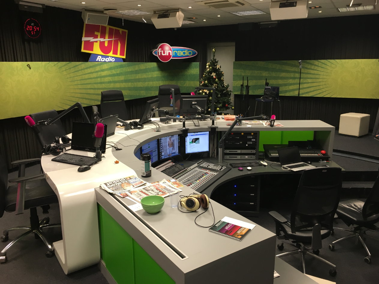 fun-radio-studio-small